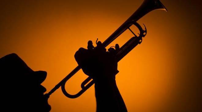 Coinvolgente omaggio al jazz di Dino Piana a Passepartout en hiver