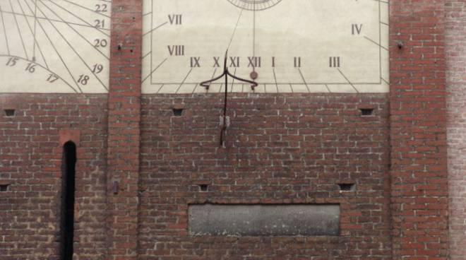 Aperta una sottoscrizione per restaurare la lapide del 1266 sul campanile del Duomo