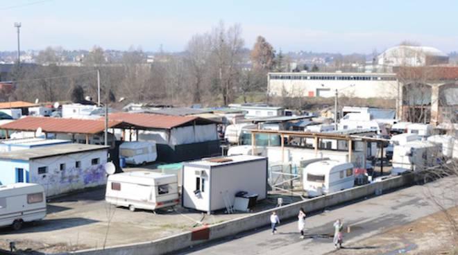 Campo nomadi Asti, sul tavolo diverse soluzioni per risolvere la questione di via Guerra