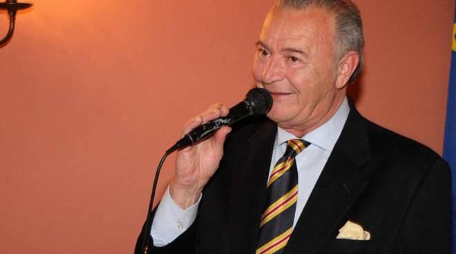 Paolo Raviola presenta a Moncalvo il suo libro ''E' partij a culùmba''