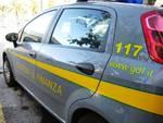 Tenta di sottrarre il proprio patrimonio al fisco, la Guardia di Finanza sequestra immobili per un milione di euro