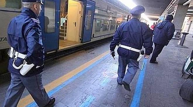 La Polizia di Stato intensifica i controlli nelle stazioni ferroviarie durante l'esodo di Pasqua
