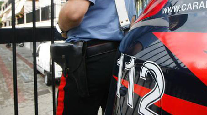 Rocchetta Tanaro: alla vista dei Carabinieri da in escandescenza, albanese arrestato