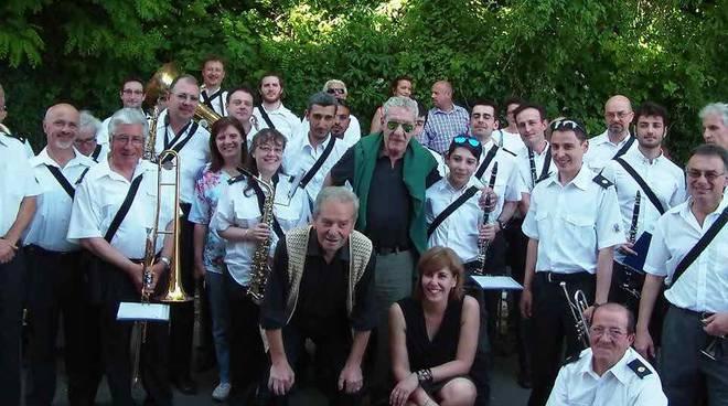 Grande festa per gli 80 anni del Maestro Nando Francia, con un ospite a sorpresa