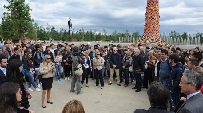 """L'Associazione degli industriali astigiani ha """"adottato"""" una classe per ogni scuola superiore della provincia per la visita di Expo 2015"""