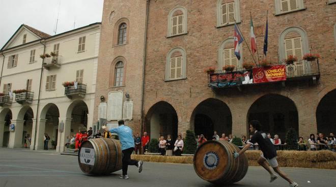 """""""Corsa delle botti"""" e """"Monferrato in tavola"""": a Nizza Monferrato doppietta vincente"""
