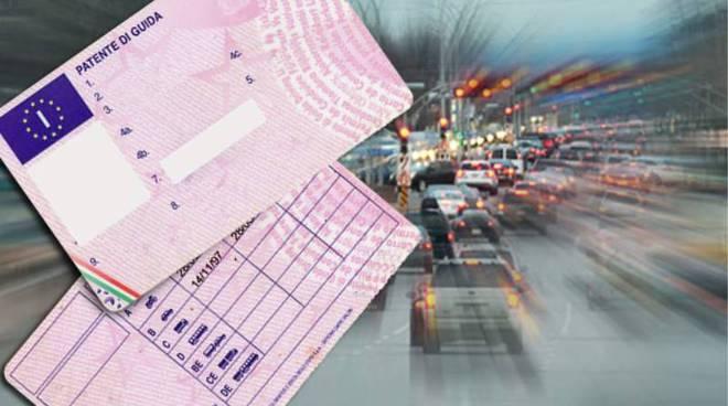 Canelli, fugge a piedi dopo un posto di blocco, 23enne denunciato per guida senza patente