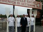 Al suon della Fanfara dei Bersaglieri di Asti è cominciato il Festival delle Sagre (foto)