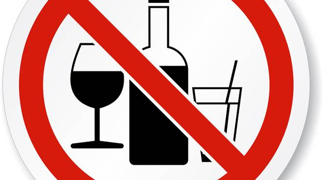 Anche quest'anno l'ordinanza del sindaco vieta la vendita di bottiglie il sabato delle sagre