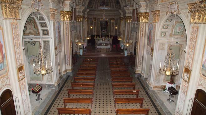 Furto nella Chiesa di San Biagio a Castelnuovo Belbo, trafugati sei lampadari