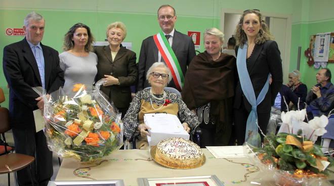 Asti: Festeggiata a Montechiaro l'ultima centenaria del 2015