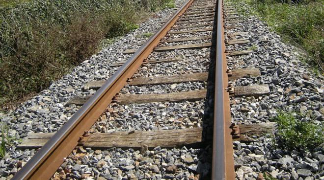 Montegrosso, giovane muore sotto il treno sulla linea Asti-Acqui