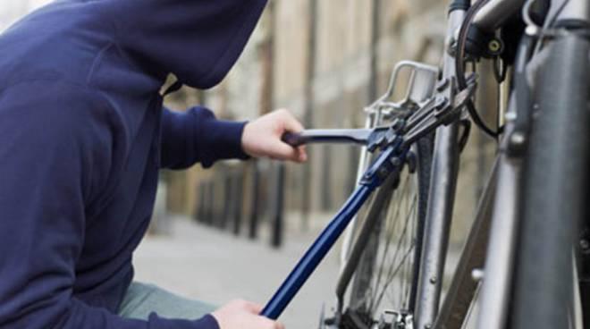 Furti di biciclette, ecco come difendersi