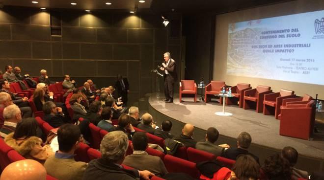 Ad Asti si è discusso dell'impatto del contenimento del consumo del suolo e aree manifatturiere