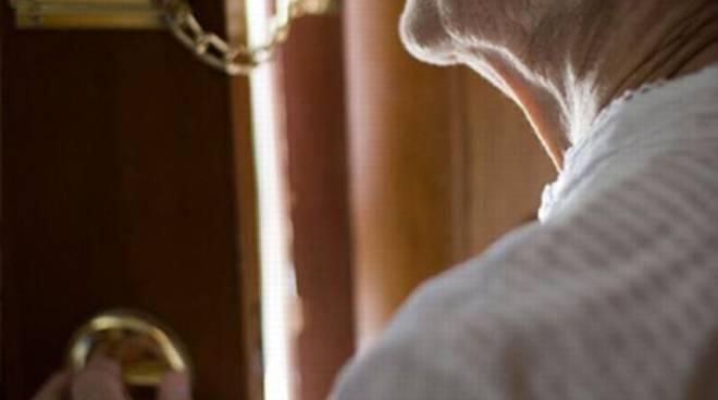 Asti, anziano truffato da falso carabiniere