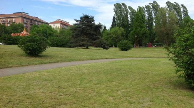 Da lunedì la zona est: prosegue il taglio dell'erba nella aree verdi e nelle scuole cittadine