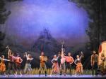 """Oltre 1.300 studenti al Teatro Alfieri per """"Lo zingaro barone"""" di Strauss in versione Diderot"""