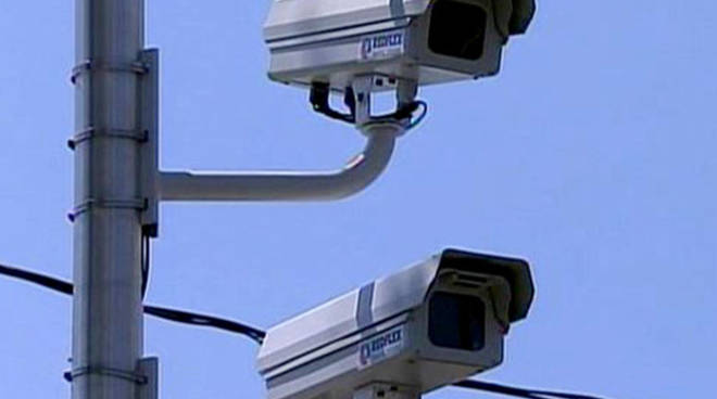 Canelli: fermata auto rubata grazie alle telecamere presenti sul territorio