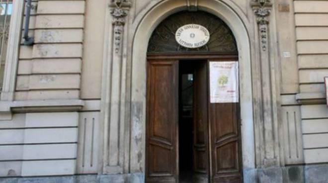 A scuola si timbra il cartellino, da lunedì all'Istituto Vittorio Alfieri di Asti