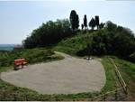 Costigliole d'Asti, a Bricco Lu la panchina gigante che guarda l'Unesco