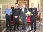 Maurizio Marello saluta il Colonnello dei Carabinieri Flavio Magliocchetti ed il neo Capitano Giacomo Conte