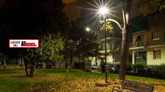Asti, Il giardino di via Omedè primo parco cittadino con i lampioni riconvertiti a led