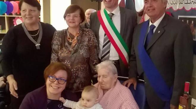 La Residenza San Giuseppe festeggia la nonnina centenaria