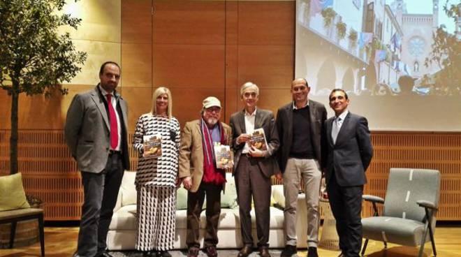 """Presentato il libro di Vincenzo Reda """"Il tartufo bianco d'Alba"""""""