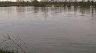 Asti, disagi in Provincia per la piena del Tanaro, a Rocchetta Tanaro esonda il fiume