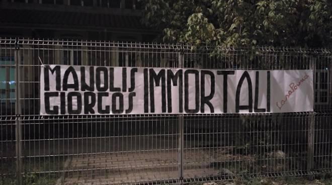 Grecia: CasaPound ricorda 'Manolis e Giorgos Immortali', striscioni anche ad Asti