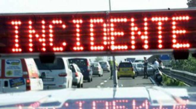 Incidente stradale a Castelnuovo Calcea in Località Opessina, coinvolte due autovetture