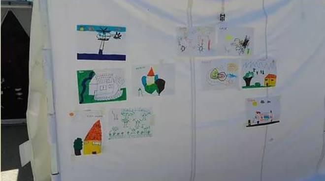 Asti, a Millegocce i disegni dei bambini di Accumuli per ricostruire la loro scuola