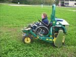 Disabilità, dal Crea arriva la sedia a rotelle per muoversi in campagna