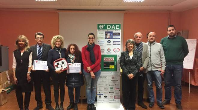 Alba: inaugurato un defibrillatore automatico all'Istituto Einaudi