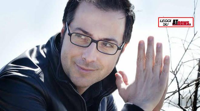 Asti, lo scrittore Luca Bianchini si aggiunge agli ospiti della settimana FuoriLuogo