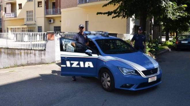 Asti, rintracciati ed espulsi dalla Polizia due cittadini irregolari
