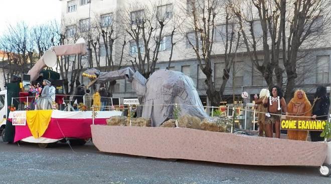 Castelnuovo Belbo: nuovo premio a Bistagno per i carri allegorici