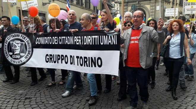 Astigiani in piazza a Firenze contro gli abusi psichiatrici