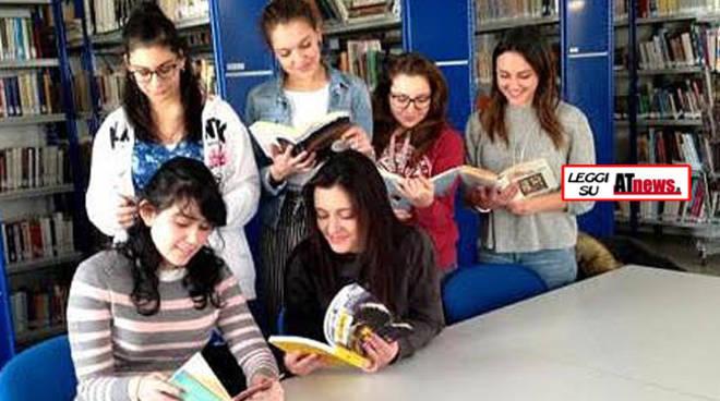 Sabato 29 aprile alla Biblioteca Astense appuntamento con 'Mercatino dei Libri' e 'Leggere a colori'
