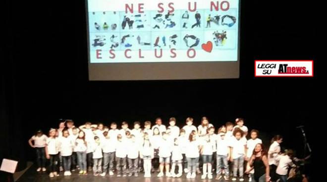 Asti: grande successo per il concerto di solidarietà della scuola Anna Frank