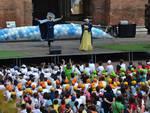 Alba in festa con le buone energie: quasi mille bambini in piazza Duomo per il progetto ambientale Egea