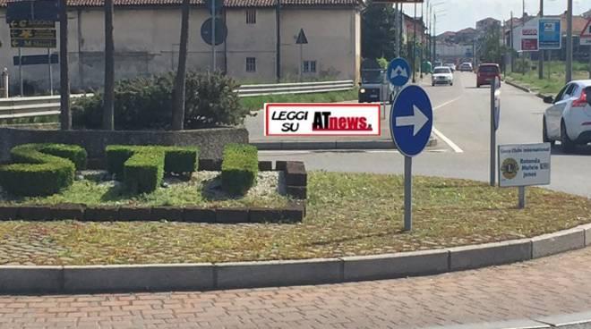 Asti, Lions Club: tre targhe di benvenuto all'ingresso della Città in corso Casale