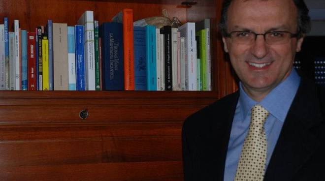 Dal libro al cuore… fa bene al cervello: il pediatra Tommaso Montini ad Alba