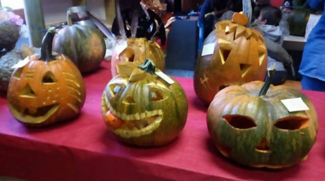 Facce Zucche Di Halloween.Facce Da Zucca Gara Di Halloween A Castelnuovo Belbo Atnews It