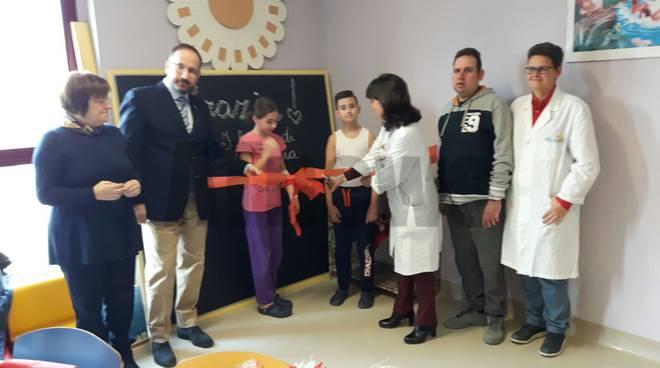 donazione parete lavagna pediatria asti