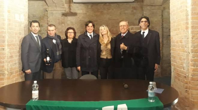 Presentati a canelli i candidati alla camera e al senato for Deputati di forza italia