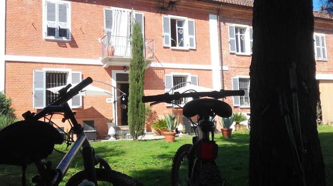 """Dal sogno alla realtà: guida turistica inaugura un """"Bed & Tours"""" a Castelnuovo Belbo in Monferrato"""