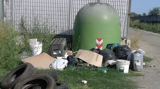 rifiuti via assauto 28082018