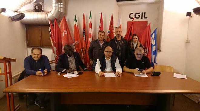 conferenza stampa sindacati per blutec