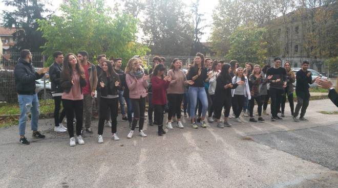 convegno e flash mob mese rosa asti 2018